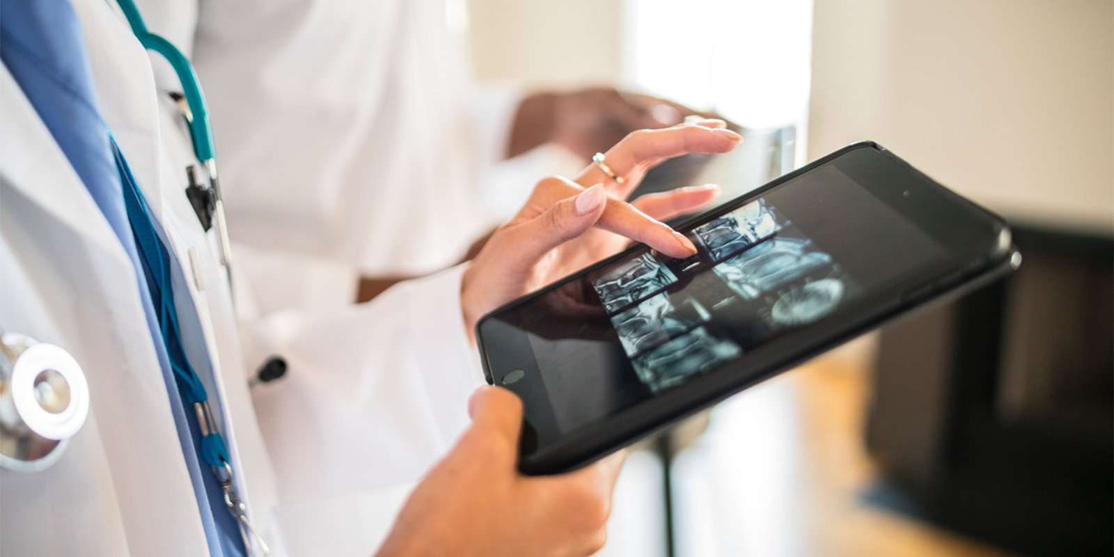 How to Use iPad in the Healthcare Industry